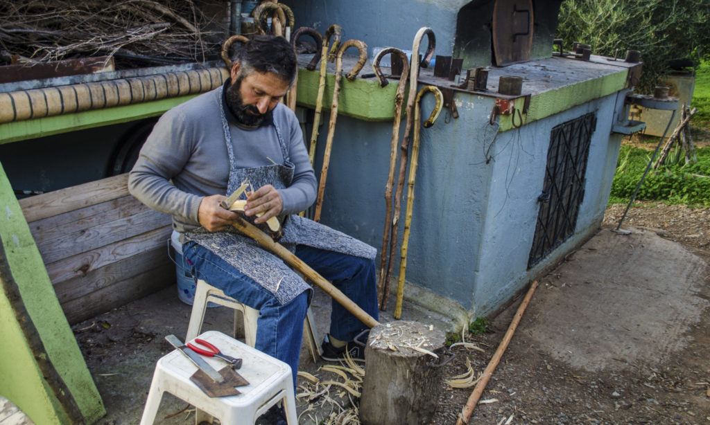 Κρητική Παράδοση & Πολιτισμός | Κατασκευή Αυθεντικής Κατσούνας με τον παραδοσιακό τρόπο | ΒΙΝΤΕΟ