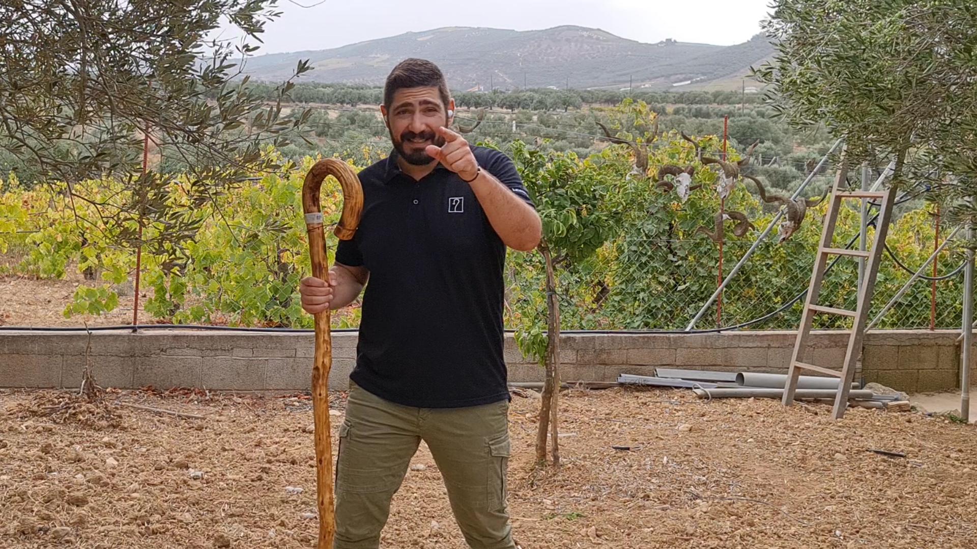 Μία και καλή! | Κρητικά μπαστούνια, Σμυρνάκης