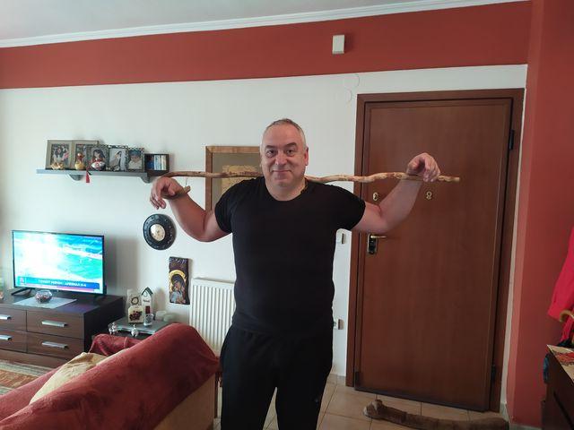 Ο John K. Linardakis με την καινούρια του κατσούνα στο Κιλκίς!!!